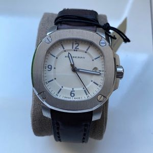 Burberry Beige Stainless Steel The Britain Watch